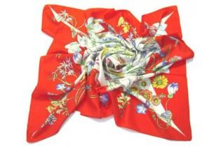 Foulard with floral motifs - 90x90