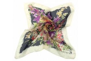Foulard with bouquet of flowers - 65X65 - Black